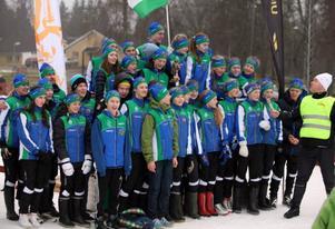 J/H-ungdomarna klämde till med Jämtlandssången när de intog prispallen som segrare i distriktskampen.