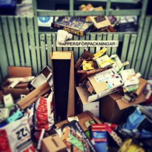 På Instagram: SYSTEMKOLLAPS. #irl #vanlighederligttfolk #bydalen #sundsvall
