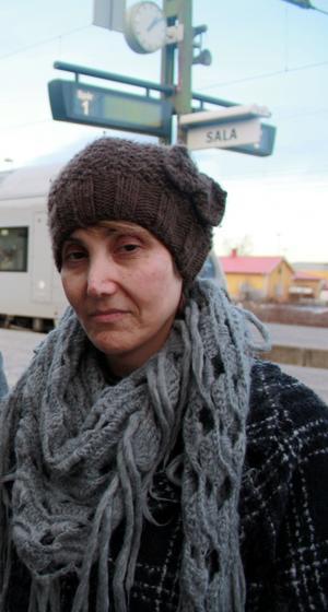 Tooran Aslani fick ta sig hem från Sala till Borlänge utan SJ:s hjälp efter att tågen ställts in efter stormen.