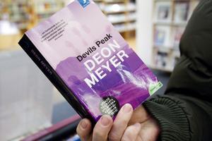 Ghita Persson tipsar om författaren Deon Meyers romaner.