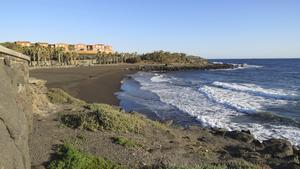 Playa Hoya del Pozo mellan Playa del Hombre och La Garita är en trevlig strand med ett rikt undervattensliv.
