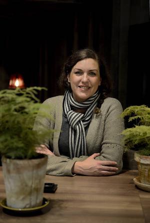 _ Majoriteten av svenskarna vill hjälpa tiggarna, förklarar Johanna.