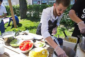 Fliken bjuder på hemmagjord falafel för den som blir hungrig på Kulturfestivalen.