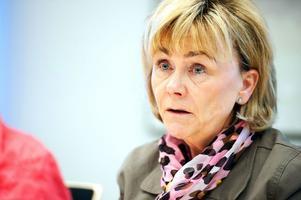 Justitieminister Beatrice Ask (M) är bekymrad över utvecklingen inom polisen. Hon ställer högre krav på organisationen. Fler brott måste klaras upp, anser hon.