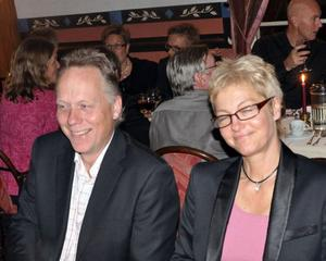 Torbjörn och Ingegerd Näslund gillar att gå på företagsfest.