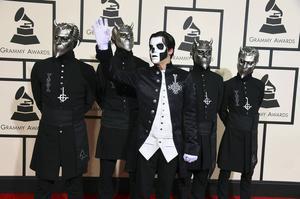 Ghost anländer till Grammy-galan i Los Angeles.