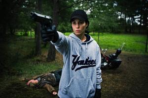 """""""Flickan som lekte med elden"""" är Lisbeth Salanders (Noomi Rapace) film. Tyvärr omgärdas hon av en thrillerhistoria som är klart blekare än i film ett.Foto: Knut KoivistoKnut Koivisto"""