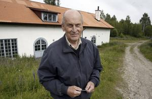 I Sverige finns idag två tysksmedjor - en av dem finns i Åmots bruk, berättar Hans-Erik Sakari, pensionär och ordförande i Stiftelsen Bunges kapell.