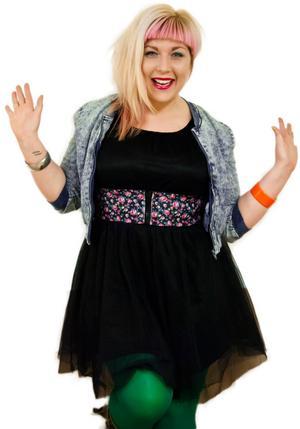 Anna Siekas är en av tre finalister i standuptävlingen Amelia Comedy Queen.