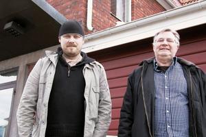 Reine Lööf och Tommy Alftberg kommer till Folkets hem i Edsbyn den 16 april med den omtalade pjäsen Jävla finnar