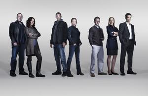 """Joel Kinnaman och Mireille Enos i den amerikanska tv-serien """"The Killing""""."""