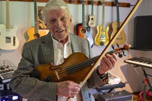 – Vi ville göra skivan på hemmaplan och hos någon som förstår sig på musiken. Det är fint att det är lokalprodukt rakt igen, säger Alf Jönsson.