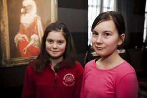 SNABBA. Hanna Green, 12 och Maria Dryagin, 11 klarade spindelnätsrummet snabbt. De måste dock klara en uppgift till innan de får en stämpel.