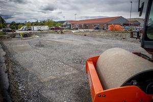 Arbetet med mattorg, ett så kallat food court, vid Lidl ska vara klart i slutet av augusti.