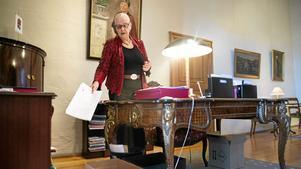 Rose-Marie Frebran har sparat på många papper. Nu är det mesta rensat, men hon har sparat alla sina tal.
