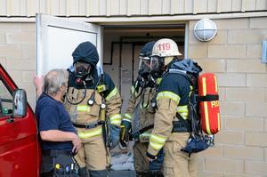 Brandmän gick in i det rum där kolsyretanken finns och hittade snabbt orsaken till larmet.