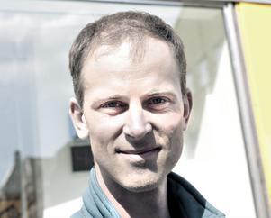Andreas Johansson, 40 år, läkare, Gävle– Egentligen inte. Den måste bort på sikt och andra energikällor måste utvecklas. Nu finns det inget bättre alternativ.