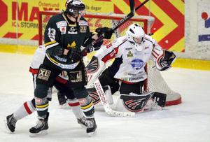 Örnsköldsvik kommer på besök i Z-hallen på söndag. Det blir den sista a-lagsmatch som spelas i hallen innan ÖIK flyttar till nya Östersund Arena.