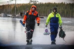 Mattias och Inge Gustafsson provade fiskelyckan.