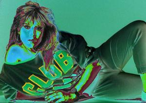 Bildtext 6: Samantha Fox på en av de mer påklädda bilder som Okej tryckte. Foto: Göran Lindsjöö ? Premium Rockshot