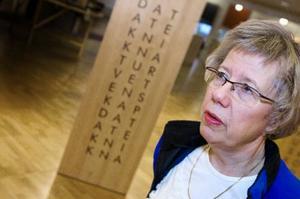 Som bibliotekarie på Mittuniversitetet i Östersund ser Bodil Jacobsson en risk med sajter som Student bay. Hon anser att den här typen av fildelning riskerar att utarma kvaliten på kurslitteraturen.Foto: Håkan Luthman