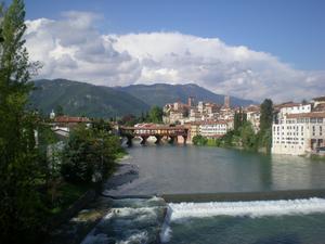 Ponte degli Alpini,Bassano del Grappa, en dag i april, när våren hade kommit