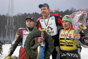 Medaljörerna. Från vänster Tommy Flyktman, brons, Stefan Svensson, guld, och Per-Olov