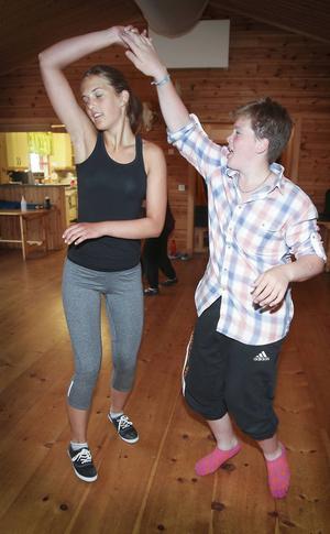 Ida Tolén, från Ljunghusen i södra Skåne, dansar med Peter Eriksson, Änge Offerdal.