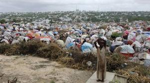 De stora humanitära behoven som vi ser i omvärlden innebär flyktingströmmar. Sverige finansierar insatser i krisernas närområden genom det humanitära biståndet, skriver Hillevi Engström (M).