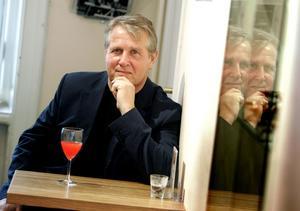 Åke Smedberg är aktuell med nya novellsamlingen