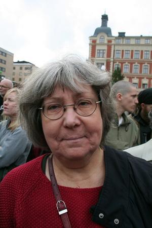 Varför är du här och demonstrerar mot SD?Marie Wirde, 61, kommunalråd Vänsterpartiet, Örebro– För att visa att vi inte vill ha rasism i Sverige och för att visa alla människors lika värde.