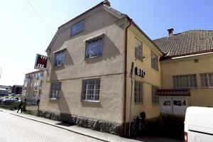 Engagerar. I december är det beslutat att Folkets hus i Askersund ska rivas. Men nu har en protestgrupp mot detta skapats som på bara några dagar fått över 100 medlemmar. Arkivfoto: Göran Kempe
