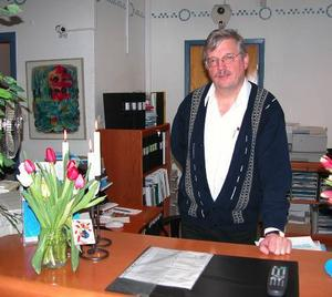 Bankpensionär. Bankkamreren och kontorschefen vid Handelsbankens kontor i Lima Per- Arne Oscarsson har gått i pension efter 43 år i Handelsbankens tjänst.