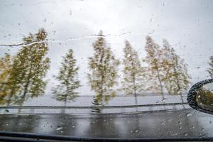 Genom ett regndränkt Jämtland på jakt efter Vildmannen.