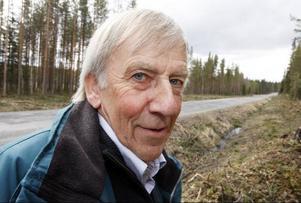 – Jämtland har Sveriges sämsta vägar. Det märks när man är ute och kör bil runt om i landet, säger Kjell-Jonas Enarsson från Laxviken. Därför är det kul att även vi får en slant av Trafikverket till vägombyggnader.