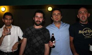 Blue Moon Bar. George, Euripidis, Cicceo och Filippo