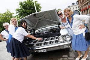 Tjusiga damer och tjusiga bilar är vad Classic Lady handlar om.