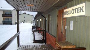 Ny ungdomsgård. Boende i Djurås är oroliga för störningar när ungdomsgården Kåken flyttas hit till det nuvarande biblioteket.