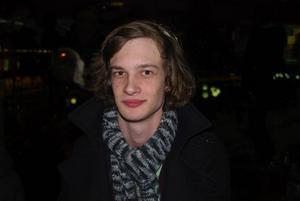 Daniel Carlström, 20 år, Gävle, jobbar  i Furuvik.Vem är din drömlucia?– Hannah Frelin.Vilken är den bästa julsången?–All I want for Christmas, den är bra.Vilken är den sämsta julklappen du har fått?– Duschkräm, sånt kan man ju köpa själv.