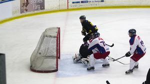 När FAIK möter Ludvika på tisdag kan nye backen Kalle Andersson finnas med på isen.