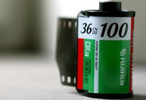 Drygt 3000 borttapade filmrullar skickas varje år till Postens Fotoservice i Sundsvall.