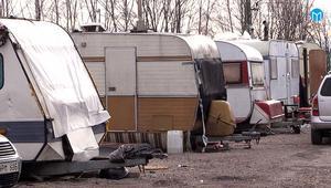 På måndag ska kommunen komma och köra alla husvagnar i lägret till skroten.