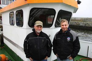 Michael Åhlund och Bosse Sillman är glada över att vara tillbaka i Lörudden igen. Några dagars lugn och ro har de innan det är dags att dra igång med strömmingsfisket.