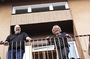 Parhästar. Sedan 1965 har Sören och Siv Sundin strävat på tillsammans. Politiskt engagemang, familj och fritidshus håller dem igång.