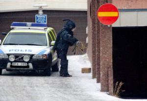 Hur får vi ett slut på dessa bombhot? Prova en mer återhållsam rapportering, föreslår insändarskribenten.  Foto: Ulrika Andersson