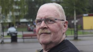 Torbjörn Sand, 69 år, pensionär, Skinnskatteberg:– Nej, egentligen inte. Tittar man i almanackan så är det sommar, men just i dag känns det som höst.