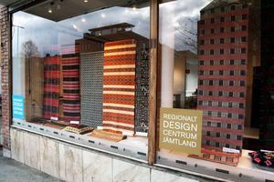 Designcentrum är numera öppet även på lördagar och kommer löpande att ha fler utställningar med design från länet.