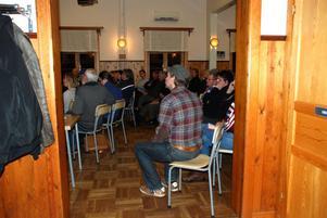 Aktionsgruppen i Vikarbyn samlades för att ställa frågor till representanter från berörda myndigheter.
