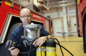 Räddningsdykarna är ständigt hotade när sparkraven hänger över räddningstjänsterna.