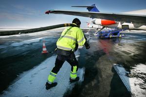 Östersunds kommun vill nu göra en klimatväxling där det ska vara mer ekonomiskt att åka tåg, mot att flygbiljetter ska beläggas med extraavgifter, som ska gå in i en nyskapad kommunal klimatfond.
